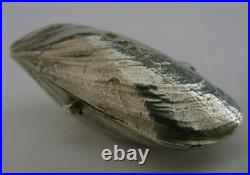 Quality Novelty English Solid Sterling Silver Mussle Shell Pill Box London 1975