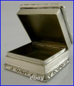 Top Quality English Solid Sterling Silver Pill Box 1987